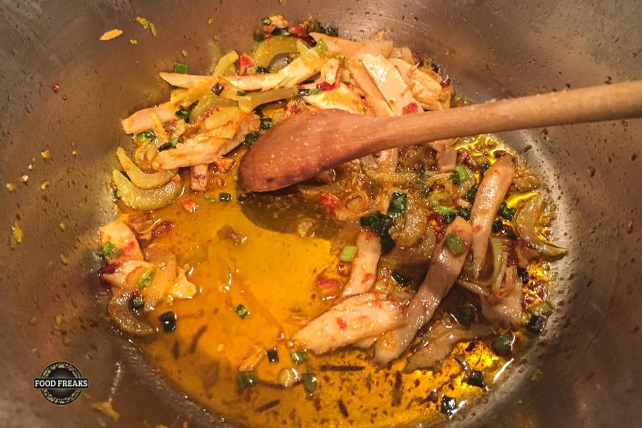 Schwarzspaghetti mit Thunfisch